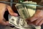 Leve baja del dólar blue, que cotiza $15,18