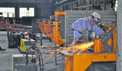 La actividad industrial bajó 2,1 por ciento, según la UIA