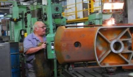 La producción industrial sufrió un fuerte retroceso del 5,7 por ciento en agosto